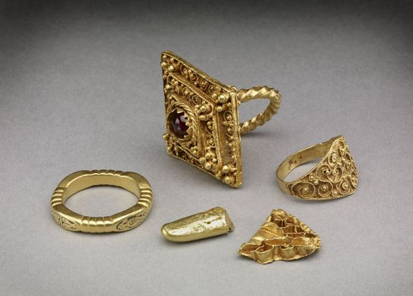 The sorts of rings that Hrothgar would give as gifts to Beowulf and the Geats.